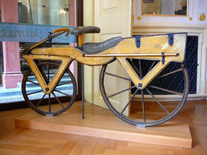 История развития велосипеда - Laufmaschine